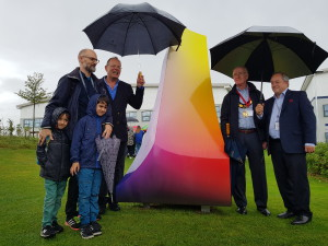 (Left-right) Public artist Claude Heath (with his children), Windles md Bruce Podmore, Tom Wyse the Mayor of Thame and Andrew Groves, md of Groves (the factory next to Windles).