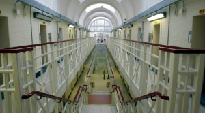 The inmates at Yorkshire's New Hall and Askham Grange prisons are each to receive hand-written Christmas cards from students.