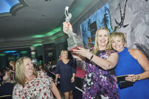 Clasping the 2017 Retas award for Best Supermarket, Anne Borrett from Tesco (left) with Hallmark's Angela Anderson.
