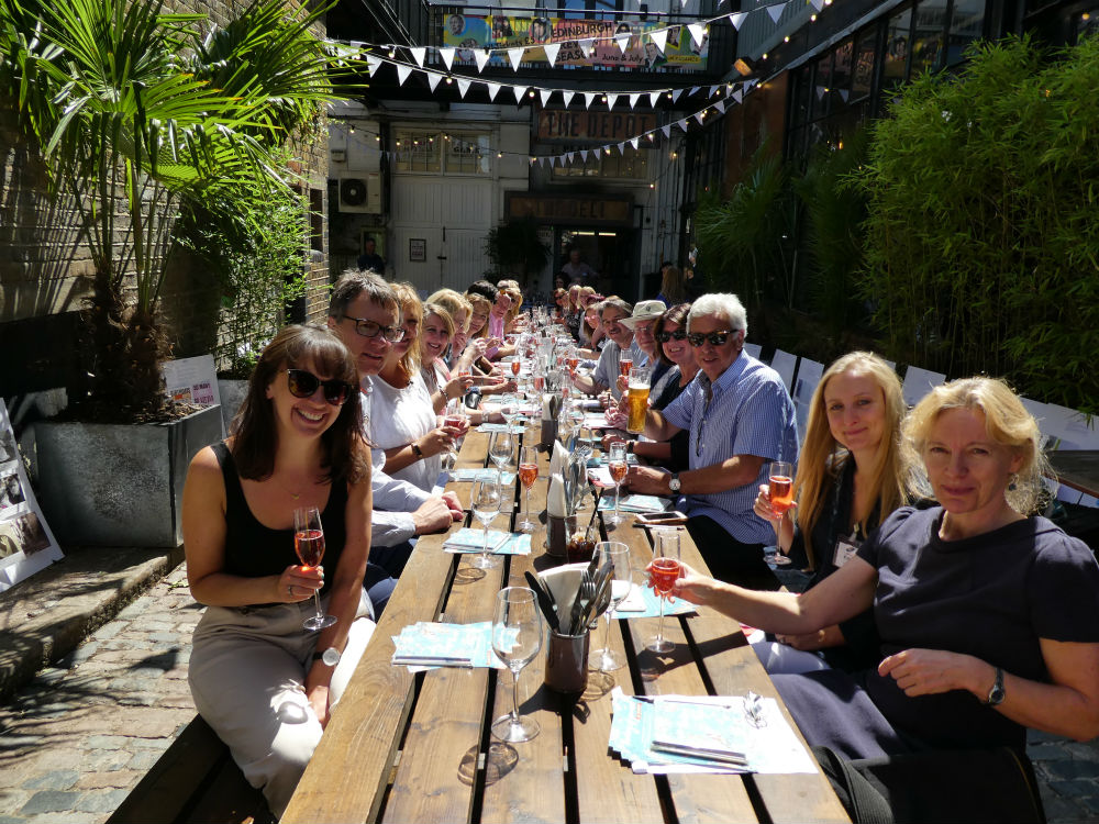 Once the hard work of judging was over, an al fresco lunch gave a chance for the buyers to discuss industry issues in a convivial atmosphere.
