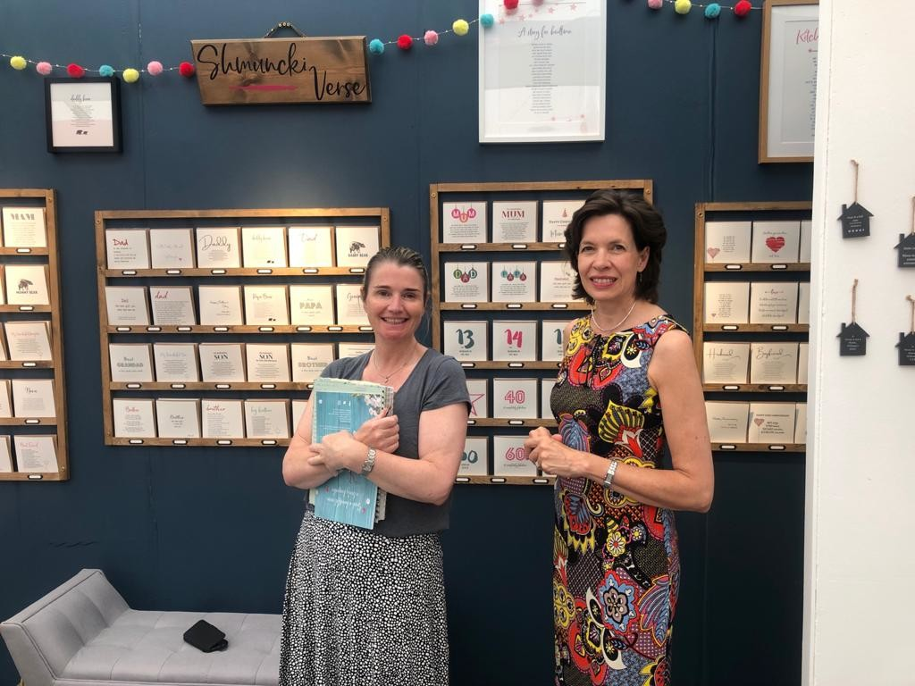 """Above: """"I didn't have high expectations, but I have had an amazing show. Roll on PG Live next week!"""" said Helen Walters (left) of Schmunki Verse, who enjoyed a catch up with the GCA's Amanda Fergusson."""